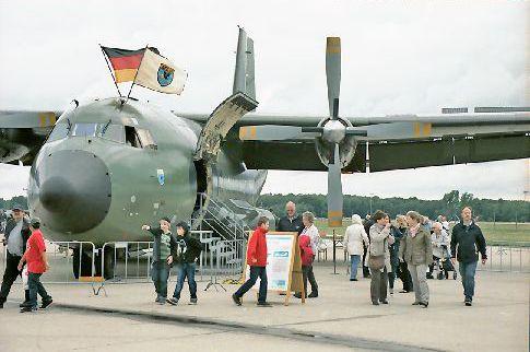 Flugzeugbesichtigung auf der Nato Airbase Geilenkirchen