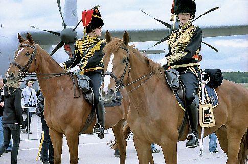 Reitertruppe auf dem Nato Fest