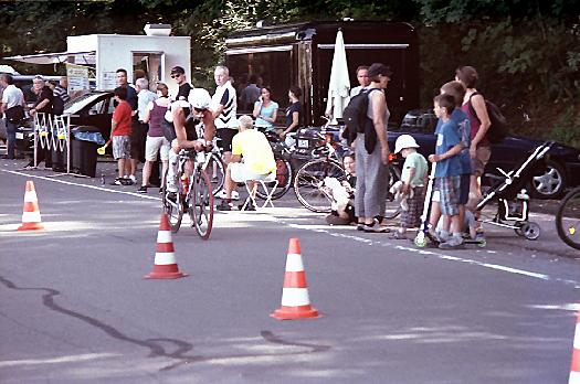 Radfahrer beim Triathlon
