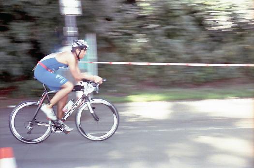 Radrennen beim Triathlon an der Bevertalsperre
