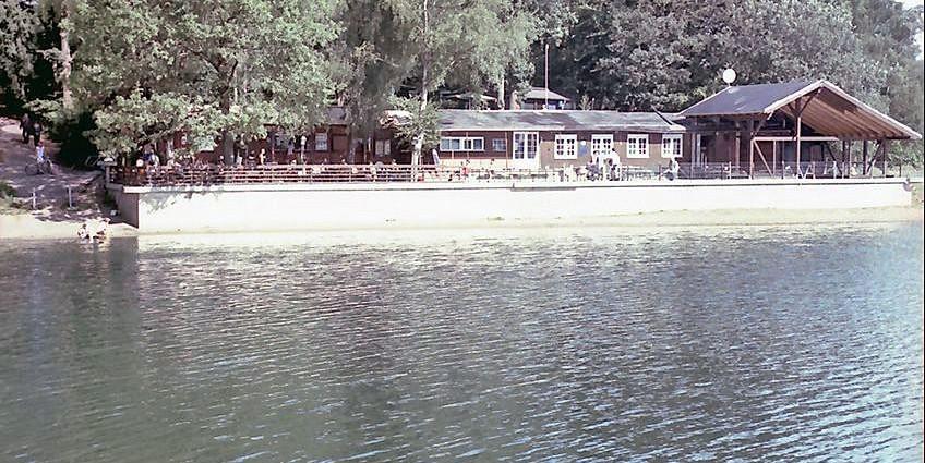 """30. Triathlon an der Bevertalsperre. Das Foto zeigt das Restaurant """"Zornige Ameise"""""""