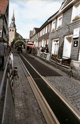 Historische Marktstraße in Hückeswagen während des Sommerbobrennens 2009