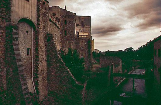 Bergdorf in den Pyrenäen